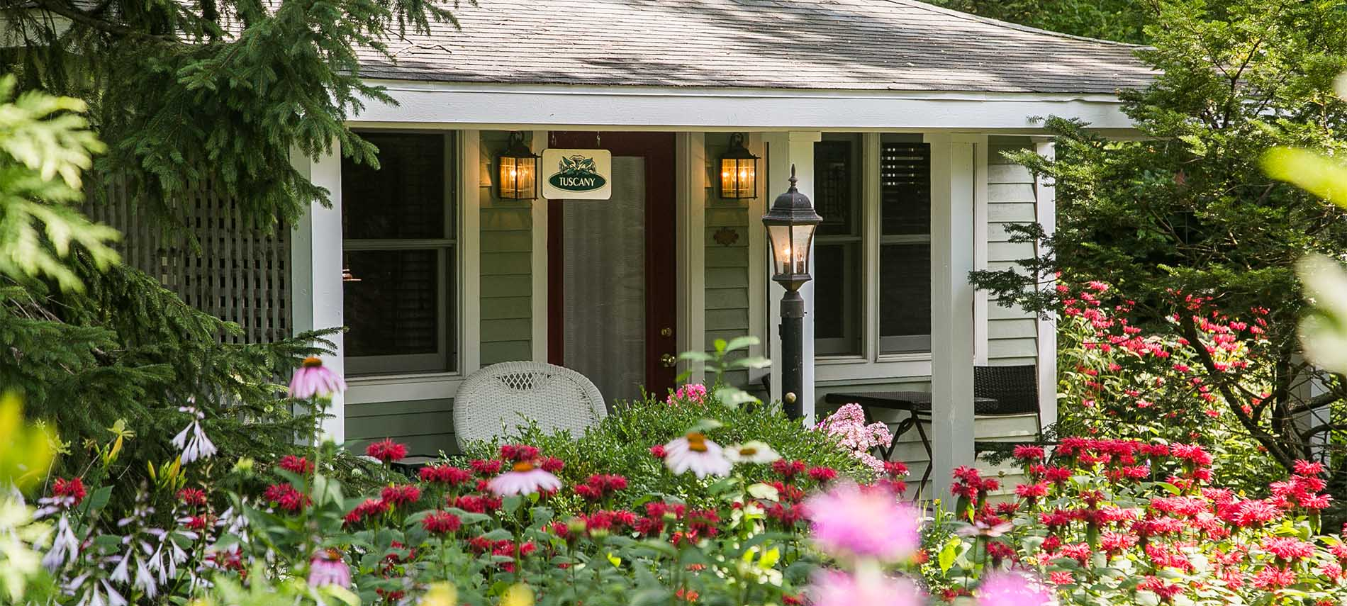 hidden garden cottages suites saugatuck michigan rh hiddengardencottages com South Haven Michigan Holland MI